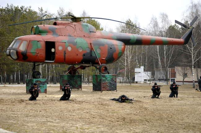 Кто кого кормит - оборонка армию или армия оборонку, или что такое армия по-украински